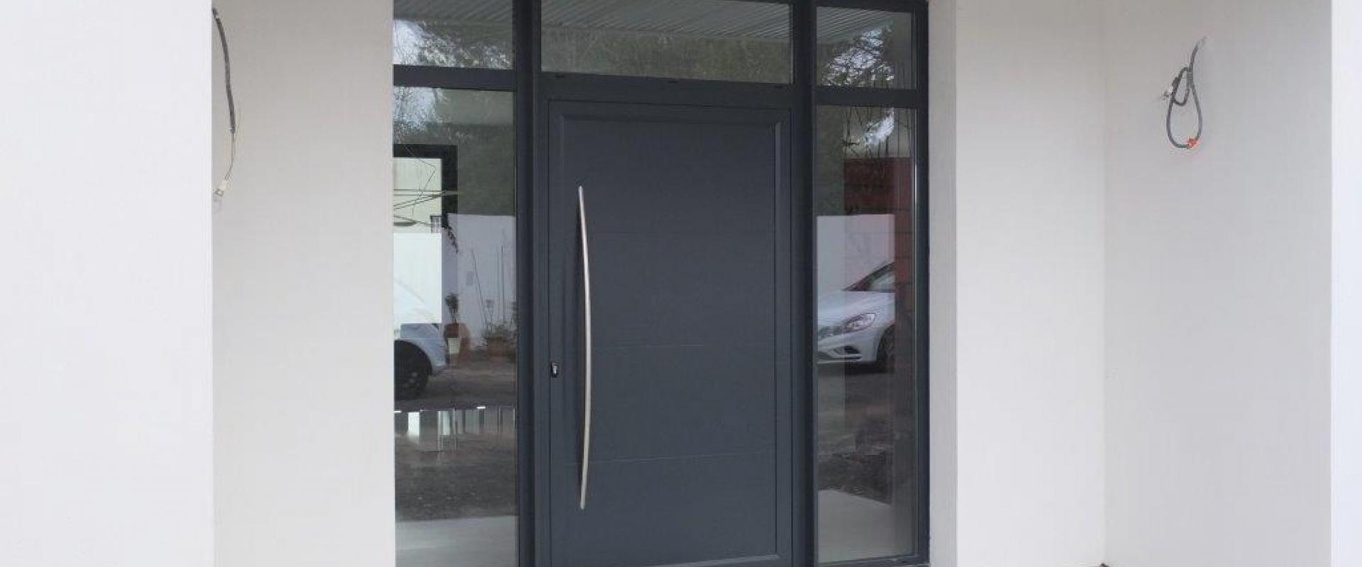 Portes d'entrée et portes blindées pvc ou alu à Lattes